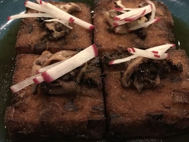 Crispy scarlet turnip cakes